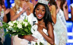 Nia Franklin wins the Miss America crown