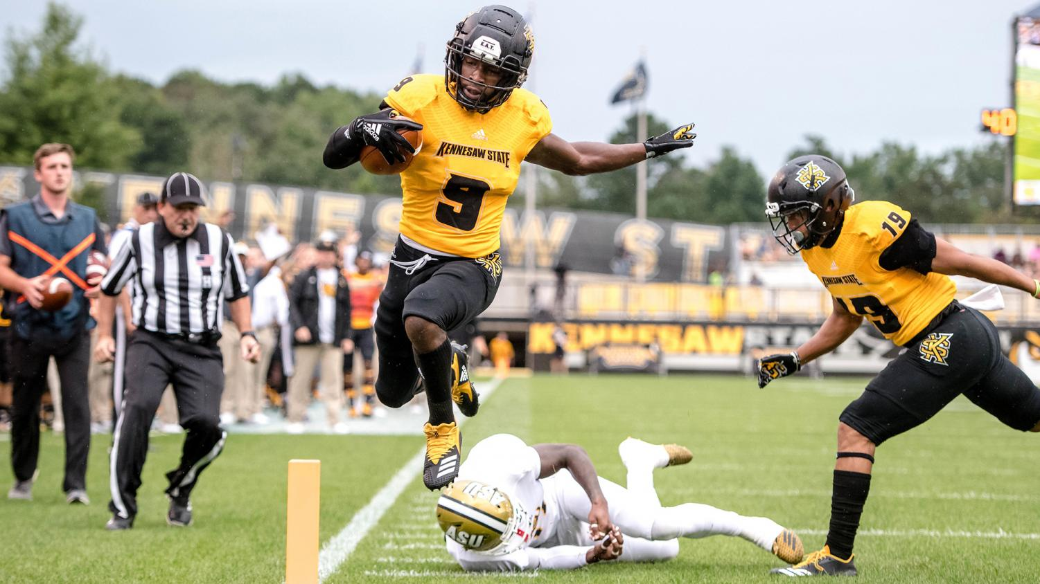 Hornets fall to Kennesaw State Owls