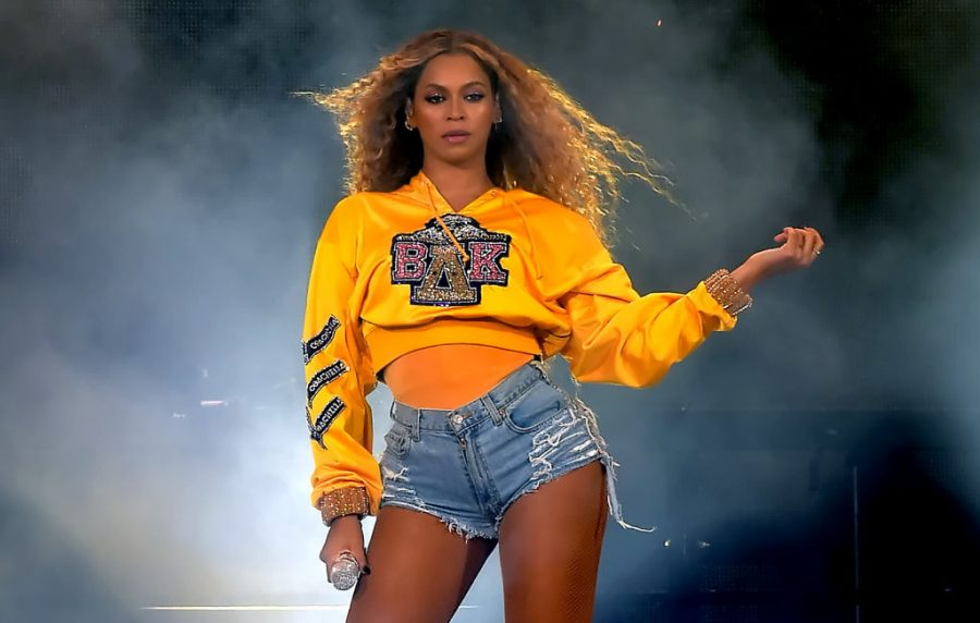 INDIO%2C+CA+-+APRIL+14%3A++Beyonce+Knowles+performs+onstage+during+2018+Coachella+Valley+Music+And+Arts+Festival+Weekend+1+at+the+Empire+Polo+Field+on+April+14%2C+2018+in+Indio%2C+California.++%28Photo+by+Kevin+Winter%2FGetty+Images+for+Coachella%29