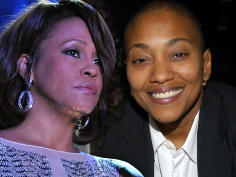 Robyn Crawford, Whitney Houston's Best Friend, Talks About Their Love Affair in New Memoir