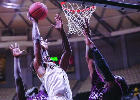 Hornets fall to Texas Southern
